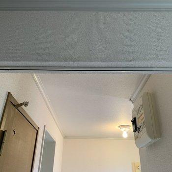 ドアはありませんが、カーテンが設置できます。