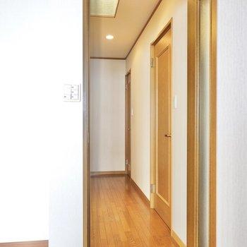 その他の水回りは廊下に出て右側に。
