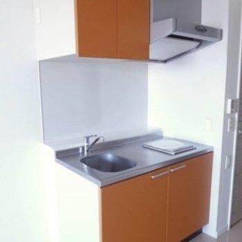 噂のキッチン!IHでお掃除も簡単です!(※写真は11階の同間取り別部屋のものです)
