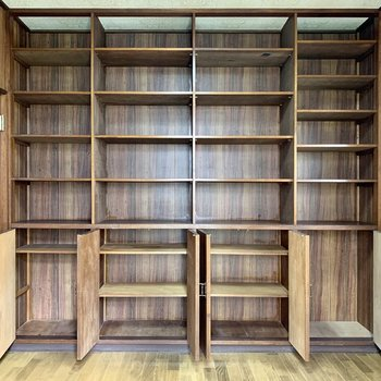 【洋室5帖①】棚にはズラッと本を並べてみたい……!