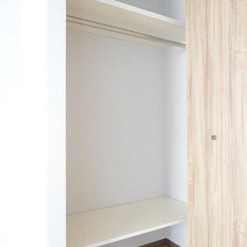 洋室にはクローゼット。学校の資料なんかも収納しちゃおう。(※写真は4階の同間取り別部屋のものです)