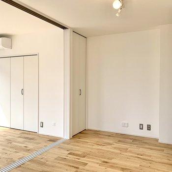 【DK】テレビを置くならこちらの壁側ですね。