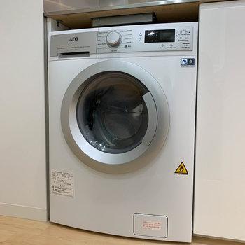 洗濯容量7kgのドラム式洗濯機付き!※写真は3階の同間取り別部屋のものです