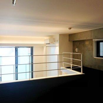 【ロフト】155センチで少しだけ腰を屈む高さ。※写真は3階の同間取り別部屋のものです