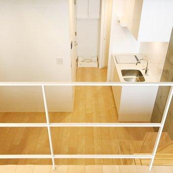 BedroomからDKを見下ろして。※写真は3階の同間取り別部屋のものです