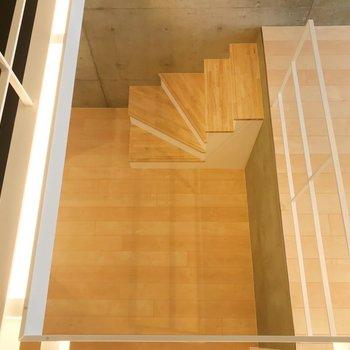 ロフトからDKを見下ろして。※写真は3階の同間取り別部屋のものです