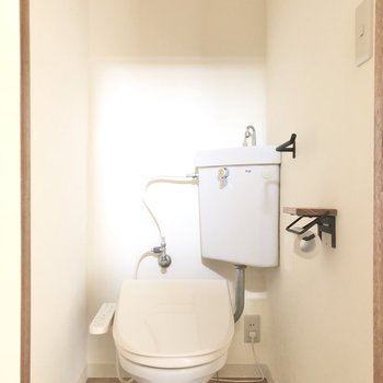 トイレはウォッシュレットつき!