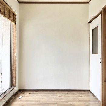【洋室②約4帖】日当たりが良い洋室は書斎や趣味のお部屋にいかがでしょう?
