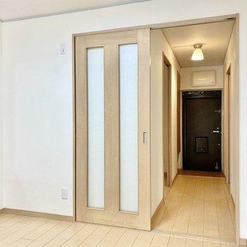 【DK】こちらの壁に冷蔵庫が置けますよ。