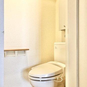トイレは優しいブラウン色