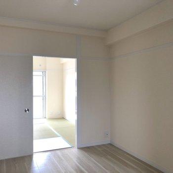 和室と廊下と出入り可能です。子供部屋にぴったり。
