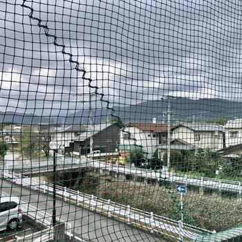 眺望。樋井川がすぐそこに見えます。