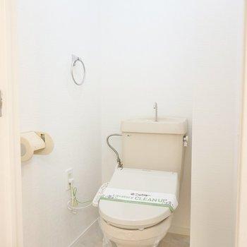 トイレにはウォシュレットも設置されています!