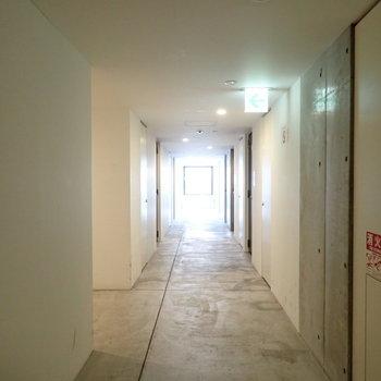 共用部】かっこいい廊下です。