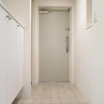 広いですね玄関