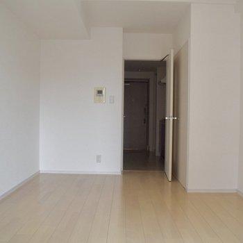 自分でお部屋をデザインするのが楽しそうです。(※写真は10階の同間取り別部屋、通電前のものです)