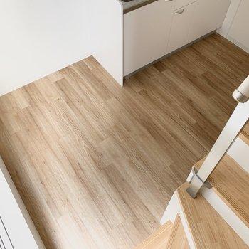 ロフトから見るとこのくらい。コンパクト空間なので、家具もミニマムのものが良いかも◯(※写真は同間取り別部屋のお部屋です)