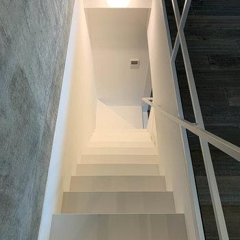 【Room11.1J】階段の白がまた、美しいのです。