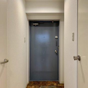 段差少なめの玄関です