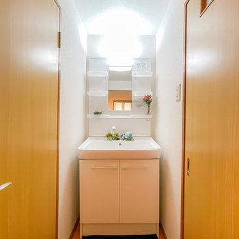 洗面台が新しめで綺麗なので、気持ち良く使えそう!