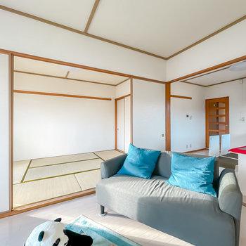 DKと和室と隣り合っています。引き戸で自由に開閉できますよ。