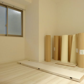 北側の居室にもしっかり窓が。(※写真は2階の同間取り別部屋、工事中のものです)
