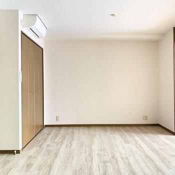 【LDK】ナチュラルな床が爽やか〜。
