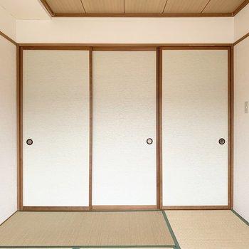【和室】左側が押し入れになります。