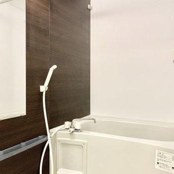 乾燥機&追焚機能付き浴室です。