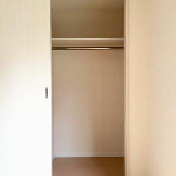 こっちにもクローゼット(※写真は4階の同間取り別部屋のものです)