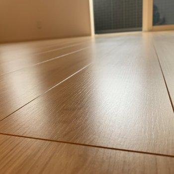 【ディテール】最後に、床の美しさをご覧ください。