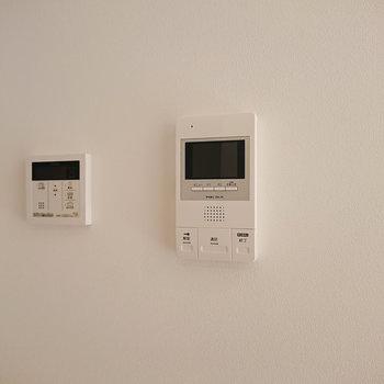 TV付インターフォンは防犯面で嬉しい設備ですよね。