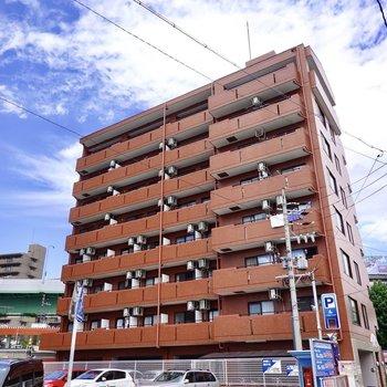 安心感のある鉄筋コンクリート造マンションの5階のお部屋。