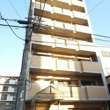 博多駅からバスで10分ほど!オートロック付きの建物。