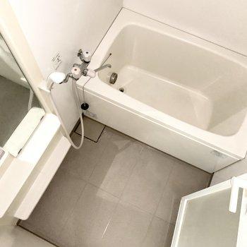 浴室はシンプル。寛げそうです。