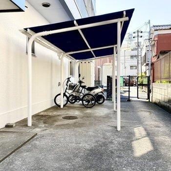 駐輪場(空き要確認)。手軽な移動手段を確保できますよ。