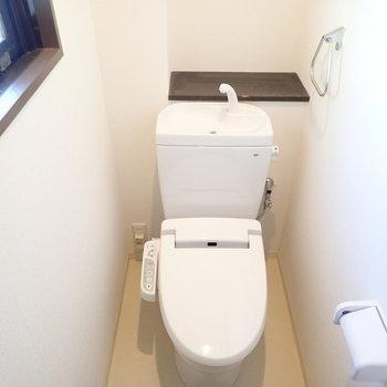 トイレ!どちらもウォシュレットつきです。