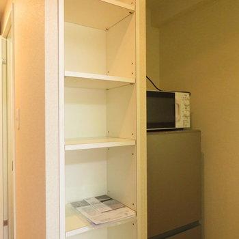 冷蔵庫置き場とその横の収納は嬉しいです(※写真は5階同間取り別部屋のものです)