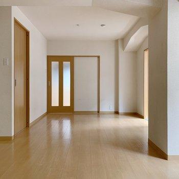 奥の部屋に行く前に、手前の戸を開けてみましょう。