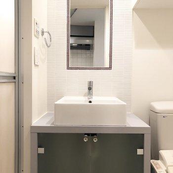 これはテンション上がりますね。可愛い洗面台です。※写真は1階の同間取り別部屋のものです