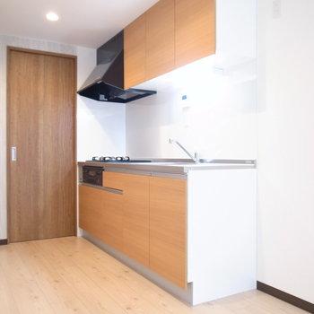 キッチンスペースはそれほど狭くありません。