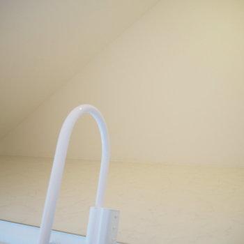 【3階】ロフトは約1.8帖。収納にお使いくださいね。※写真は同間取り別部屋のものです