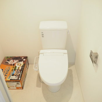 【2階】トイレはねこ用のトイレも配置できます◎※写真は同間取り別部屋のものです