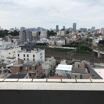 高いところから街を見下ろせます