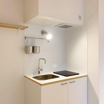 白色の爽やかなキッチンに新しく生まれ変わりました!