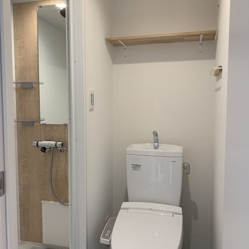 脱衣所とトイレは一緒なのです。