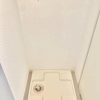 脱衣所に洗濯機置けます。(※写真は3階の同間取り別部屋、清掃前のものです)