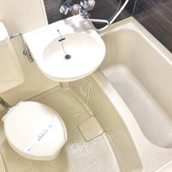シャワーでまるっとまとめ洗いを習慣にしましょ!(※写真は1階同間取りのお部屋です)