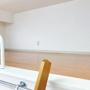 ロフトへ。※写真は2階の同間取り別部屋のものです