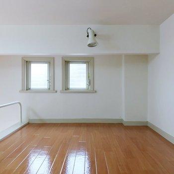 仲良く並ぶ小窓に、きゅん。※写真は2階の同間取り別部屋のものです